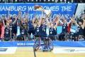 Großbritannien kürt sich zum ersten Mal zum Weltmeister bei den Herren, Niederlande ist Damen WM